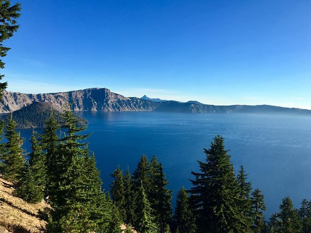 Do you have a favorite National Park? If you're like me, I bet you have many. 🌎 This week I had a chance to visit Oregon's only National Park - Crater Lake.  Established in 1902, the water is deep and the prettiest shade of blue.  The lake is fed by rain and snow, and last winter, this place got 48 feet of snow! Check the weather before you go. ❄️ (New on the #blog: Best ways to Prepare for Moving Abroad. Link in bio.)